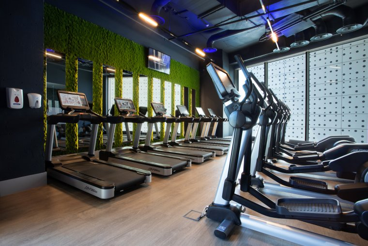 Originální řešení stěn vinteriéru fitness11.jpg