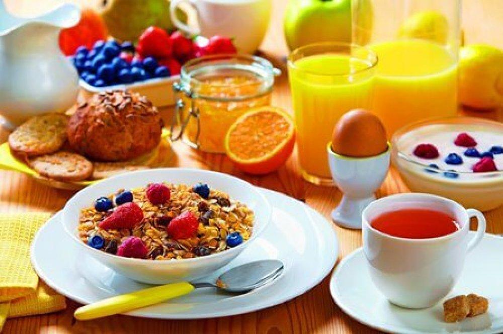 Vydatná azdravá snídaně je důležitým základem každého dne.