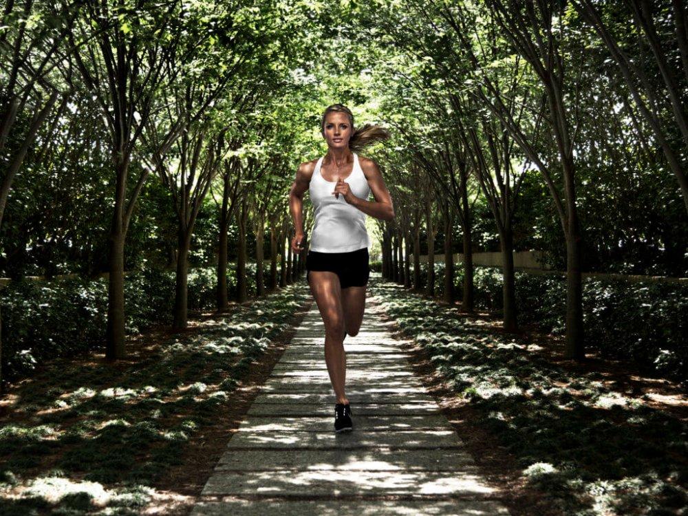 Když dřív vstanete ahned po ránu si zacvičíte, bude celý váš den nabitý energií.