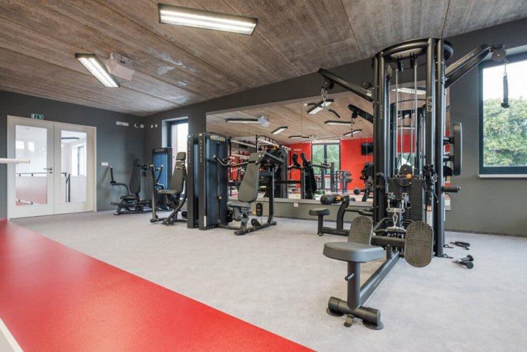 Tenisový komplex smoderním fitness centrem je perlou Hradce Králové_08.jpg