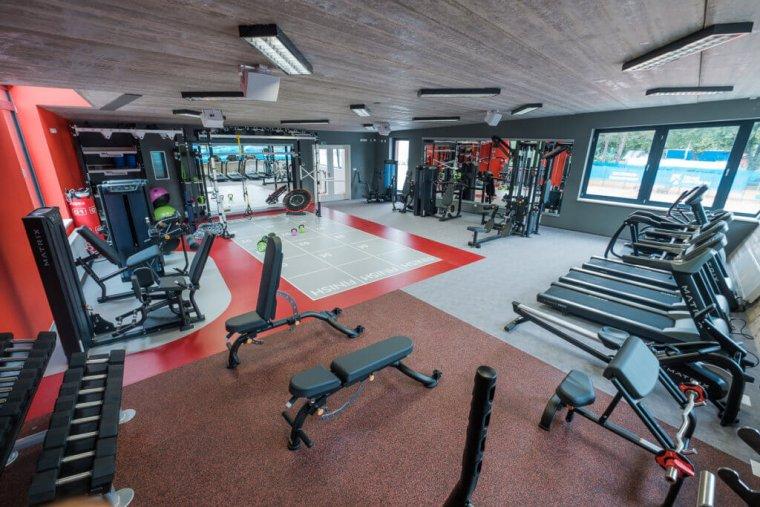 Tenisový komplex smoderním fitness centrem je perlou Hradce Králové_03.jpg